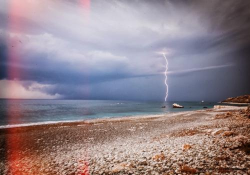 Гроза на пляже Афродиты